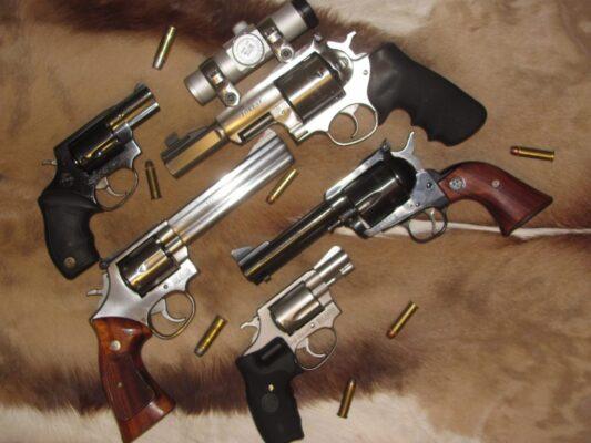 Various Revolvers 1024x768 1